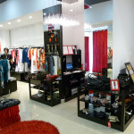 Торговое оборудование для отдела французской одежды