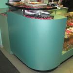 Производство стеклянных витрин и прилавков для магазинов одежды
