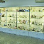 Производство витрин для магазина фарфора