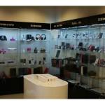 Торговое оборудование и витрины для магазина Apple