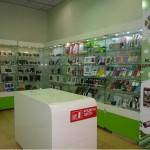 Торговое оборудование и витрины для отдела электроники