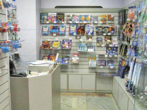 Тумбы и экономпанели в магазин сувениров