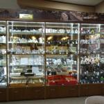 Изготовление стеклянных витрин и прилавков для продуктового магазина