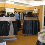 Вешала и стендеры для магазина одежды