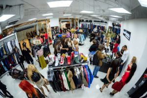 Фото магазина модной одежды
