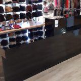 Кассовая стойка в магазин одежды
